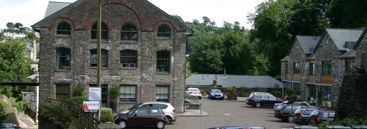 Dartmouth Pottery Slider (2)